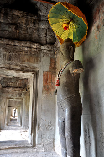Umbrella-buddha